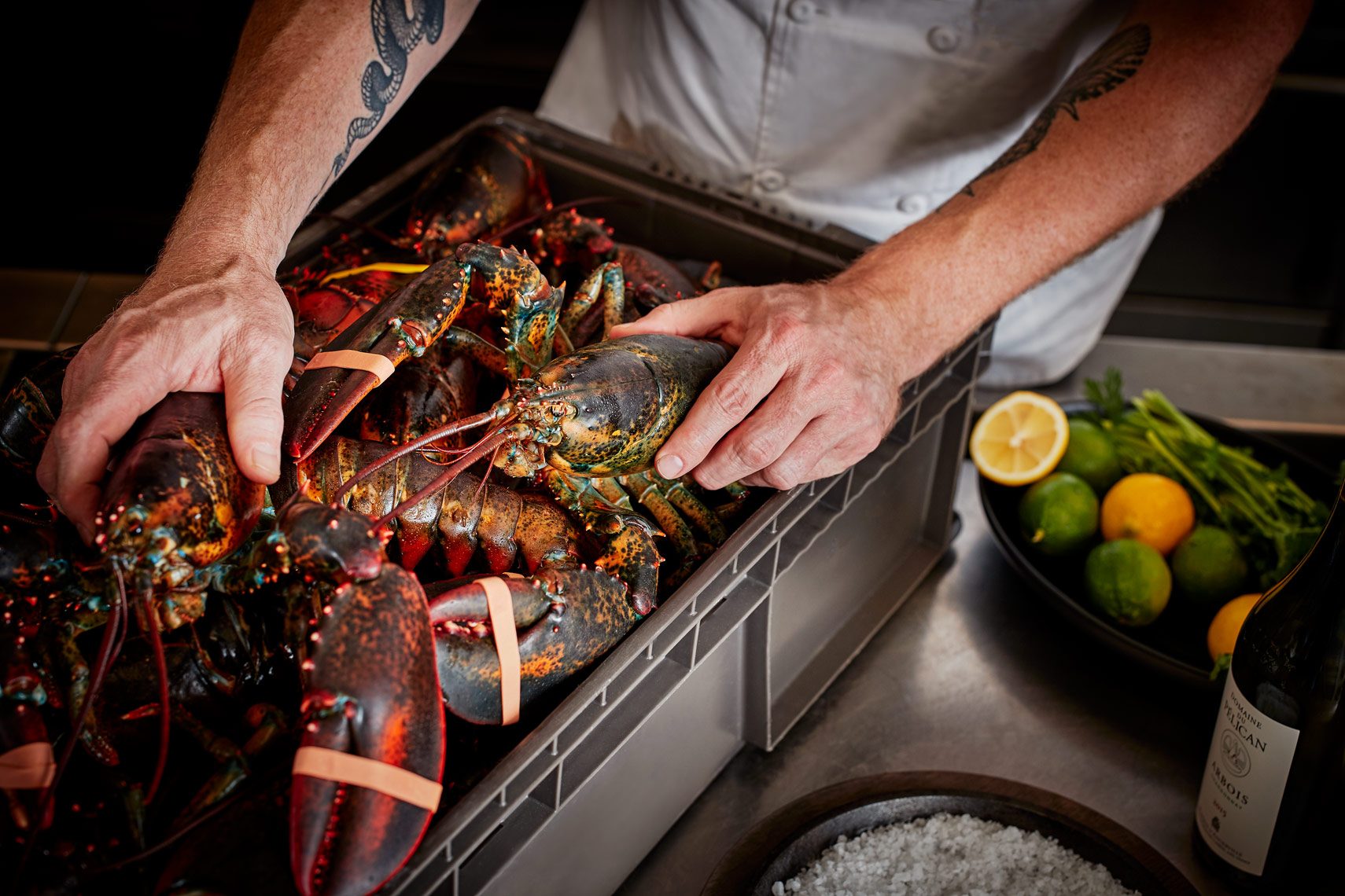 221141_221139_Kitchen_Lobster_02
